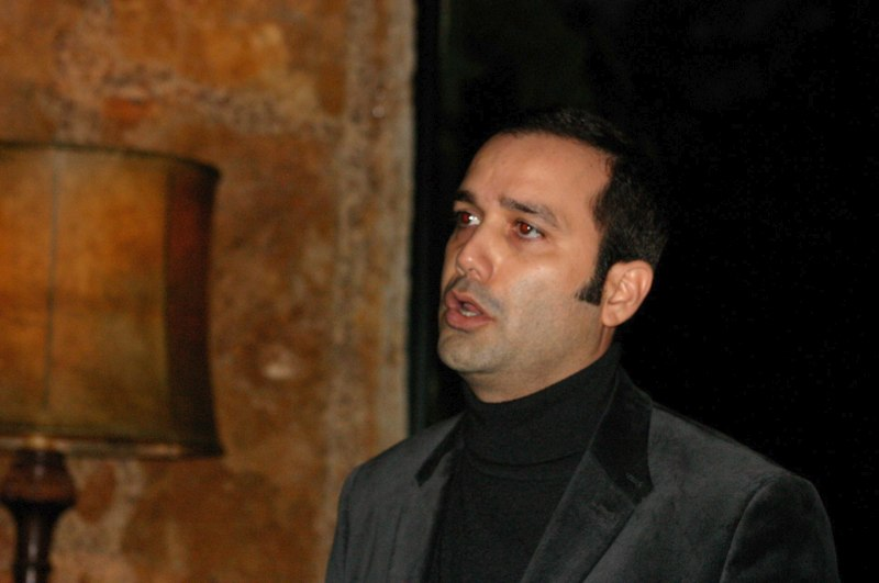 Alejandro Magallon, Tenor